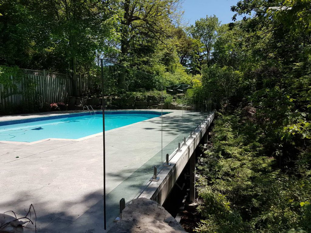 Glass Railings for Pool Toronto