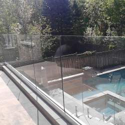 toronto-glass-railings-for-pool
