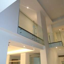 second floor safety frameless glass railings