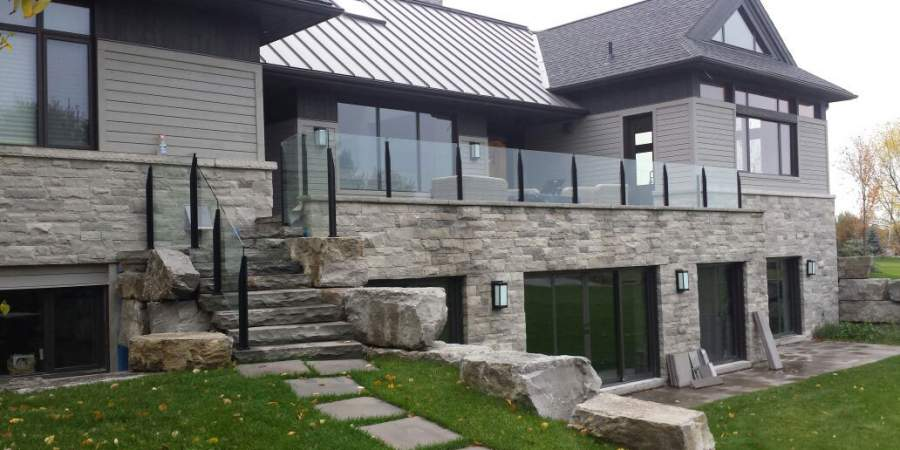 custom build staircase with frameless-glass-railings